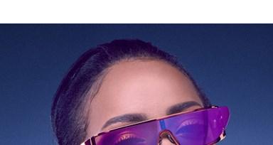 Rihanna com coleção de óculos Dior - Notícias - Máxima 838a8c9414