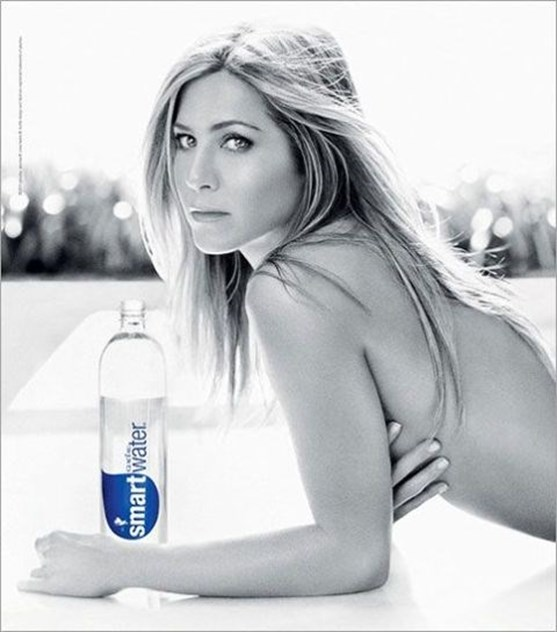 Jennifer Aniston, para a Smart Water (2011)