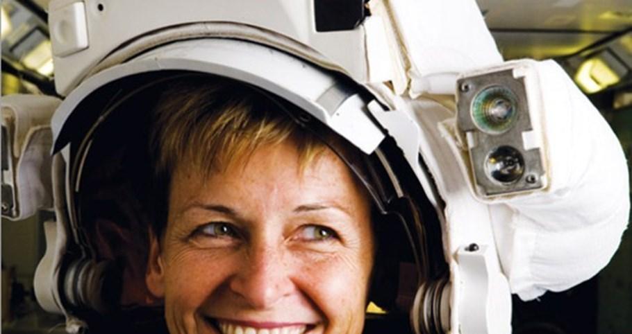 Astronauta regressa à Terra com recorde de tempo no espaço