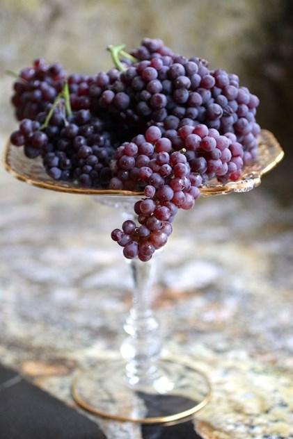 3. Uvas | Desintoxicam o organismo graças ao seu efeito diurético natural, contendo vitaminas, antioxidantes (previnem o envelhecimento graças às grainhas) e possuem um baixo teor calórico.