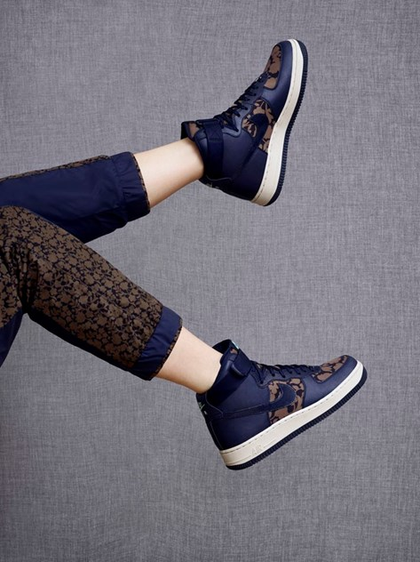 Nike Liberty London traz padrões contemporâneos Moda Máxima Moda Máxima