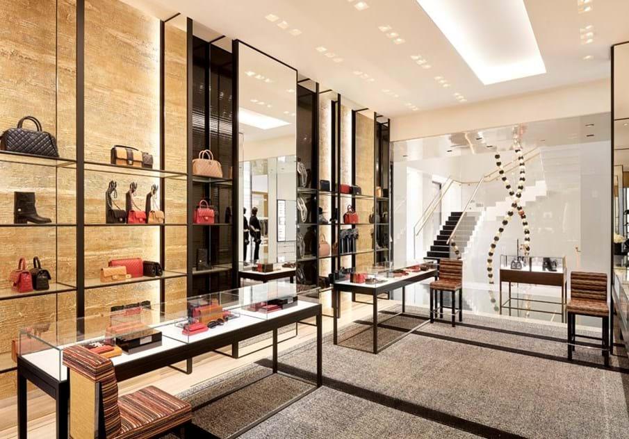 e86c6ec87 Chanel reabre loja em Barcelona - Moda - Máxima