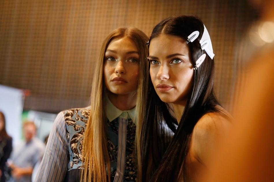 91df24a0a Versace para verão 2017 - Tendências - Máxima