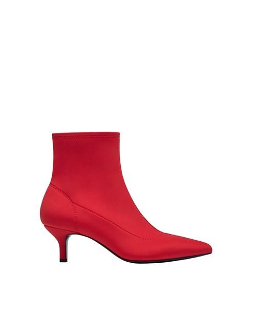 813b83fc104 Tendência  meias ou botas  - Moda - Máxima