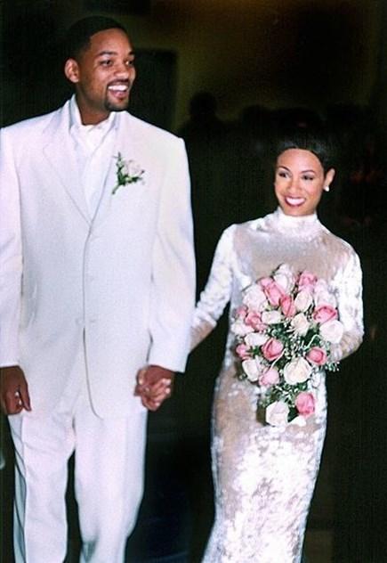 fc0c0da9afd Os 30 vestidos de noiva mais originais das celebridades. Madonna e Sean  Penn Yoko Ono e John Lenon Will Smith e Jada Pinkett-Smith ...