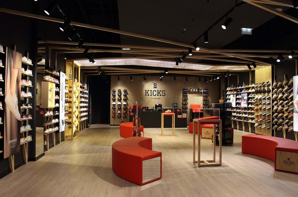 0169b7bab78 Abriu nova loja que é paraíso dos ténis - Moda - Máxima