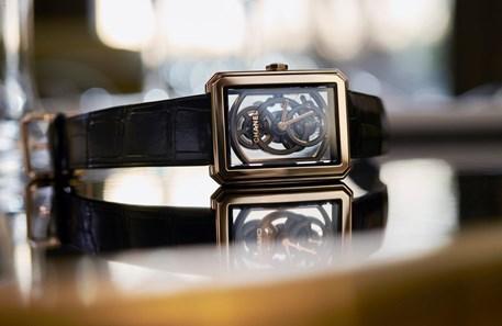 2f784c754bc Caroline De Maigret é o rosto dos relógios Boy-Friend da Chanel