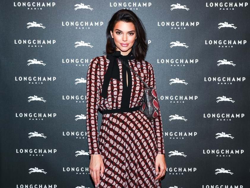 b5ab55399de Kendall Jenner é o novo rosto da Longchamp - Moda - Máxima