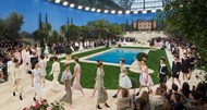 Chanel irreverente e sonhadora no Grand Palais