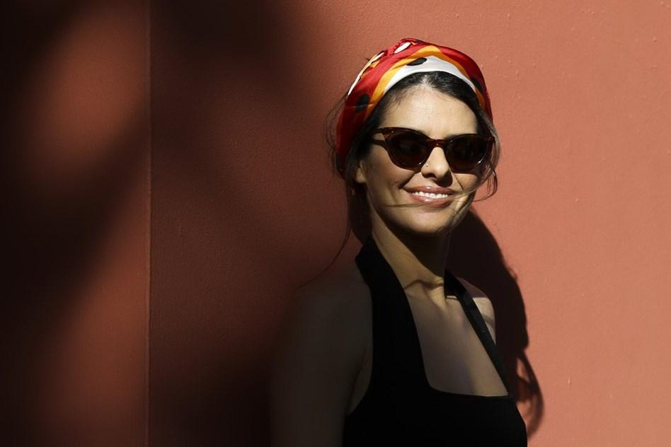 6a2b02f8a0 Efeito Cuca: os óculos de sol para investir esta estação ...