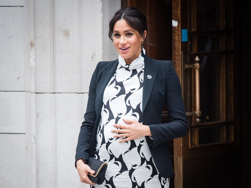 3 - Meghan Markle and his father, Thomas Markle: after announcing their relationship with Prince Harry, Markle's father spared no criticism of his daughter. Thomas accused Meghan of leaving the family in Los Angeles and on the eve of the royal wedding he made an agreement with the papparazi to sell them private photographs of the ceremony, which he did not go to. In early 2019, the Duchess wrote him a five-page letter asking her to put an end to malicious comments and criticism of Harry, but his father ignored all his appeals and published the letter, continuing to explore the relationship with daughter in interviews