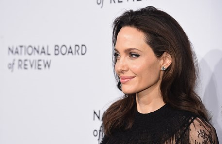 Angelina Jolie lança canal de Youtube